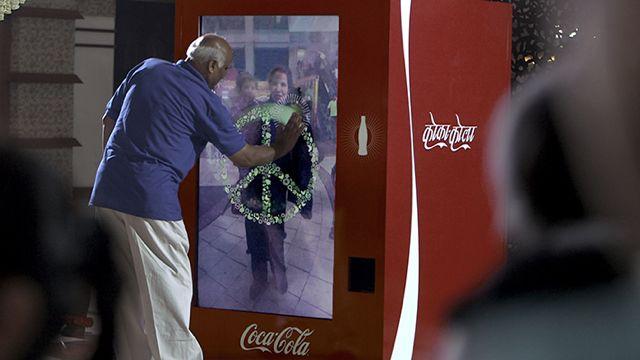 Coca-Cola Conectando pessoas de diferentes nações